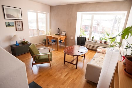 Lovely and warm 2 bedrooms house near Stockholm - Gustavsberg - Huis