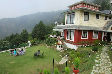 Verafarm Homestay on hills - Mussoorie - 独立屋