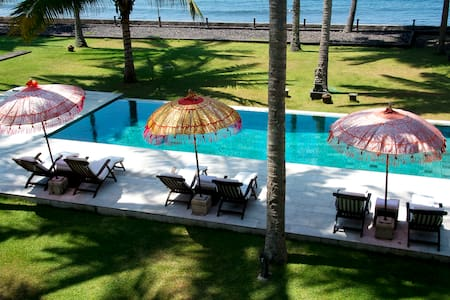 Absolute Beach Front property 7BR  - Villa