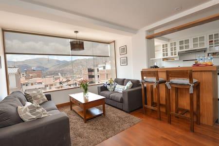 BEAUTIFUL VIEW, SAFE QUIET NEIGHBORHOOD, SLEEPS 4 - Cusco - Lakás
