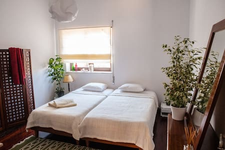 Double room in shared beach house - Bed & Breakfast