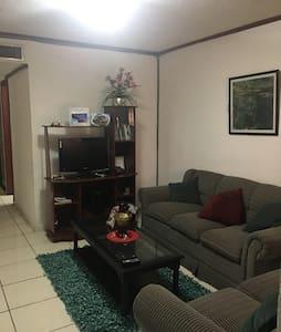 Exclusiva habitacion en Apartamento - San Salvador - Apartament