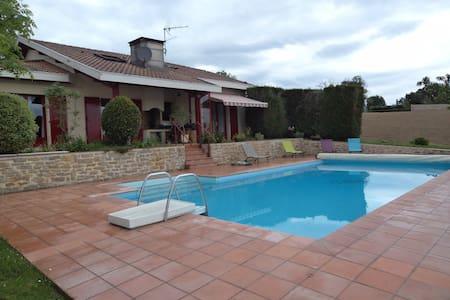 Maison avec piscine à 30mn de l'océan - Saint-Lon-les-Mines - Huis