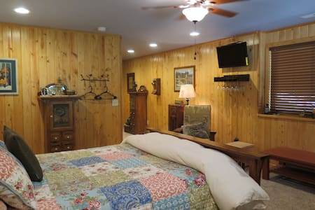 Black Hills Retreat - Spearfish, SD - Casa