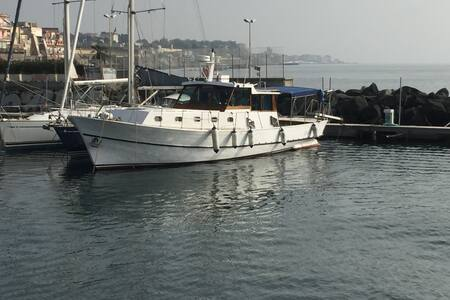 Splendida imbarcazione d'epoca - Torre del Greco - Bed & Breakfast