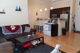 Picture of Spacious Condo Close to Uptown