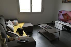 Picture of Chambre Canapé lit dans un salon.