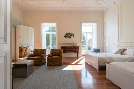 Stunning 8 room (450m2) flat in Central Lisbon - Daire