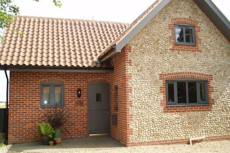 Hobby Cottage, Felbrigg, Cromer - House