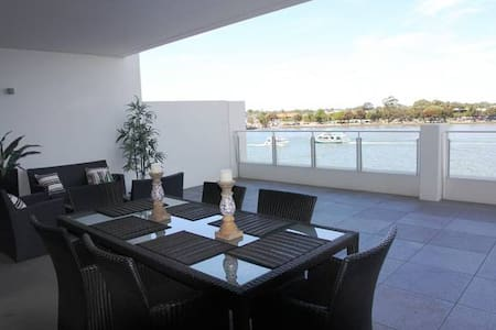 Waterfront Luxury, Mandurah - Mandurah
