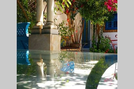 COZY RIAD★POOL★SPA ★★10 TO 27 GUESTS★★ - Marrakech - Bed & Breakfast