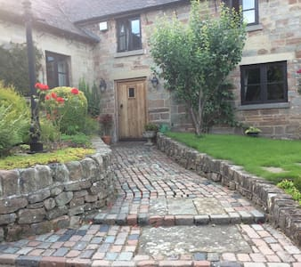 Delightful double room in stone barn conversion - Andere