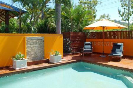 Holiday Units 2 mins from beach - 2 bedroom - Picnic Bay