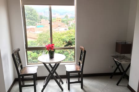 Lovely Private Bedroom For Two Close to Poblado - Medellín - Apartment