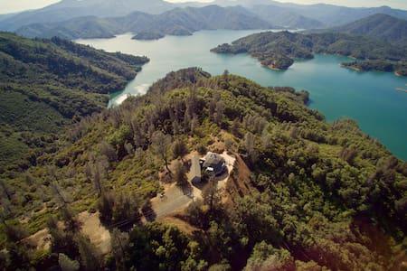 Rolland & Heidi Baker's Shasta Lake House - House