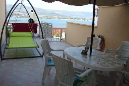 Sea view apartment near Trogir! - Apartament