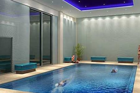 Luxury, Roof Top Pool with View, Whirlpool, Gym - Los Angeles - Appartamento