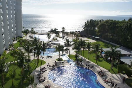 Beachfront Luxury Condo! - Nuevo Vallarta - Condominium
