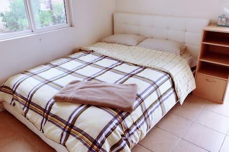 Queen bed clean room 独立出入大床房No.10 - Rowland Heights