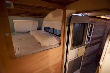 Hollywood RV, Sleeps Two - Los Angeles - House