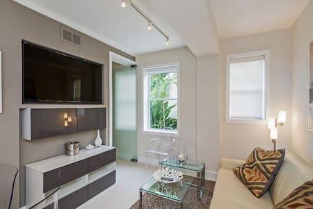 Fabulous apartment at the beach! - Miami Beach - Apartment