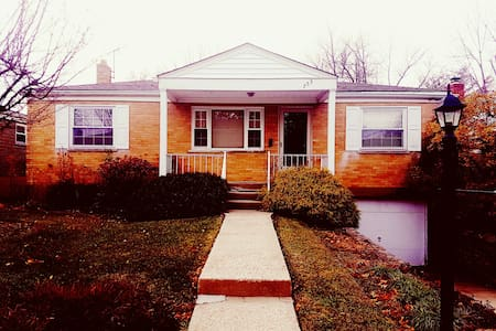 Lovely 2 bedroom 2 bathroom house - Cincinnati