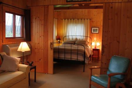 Camp Woodbury Cabin 3 - Stuga