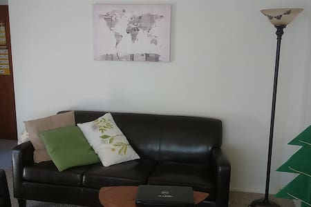 Shared one room apartement - Lomita