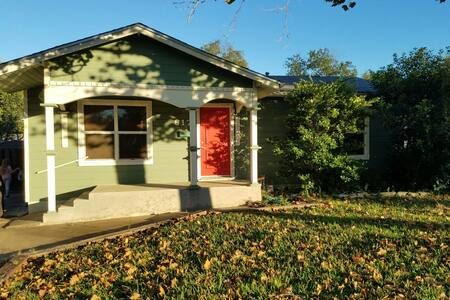 Charming House - Historic Downtown Bars and Eats - Round Rock - Casa