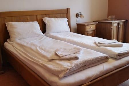 Palace II B&B - Bed & Breakfast