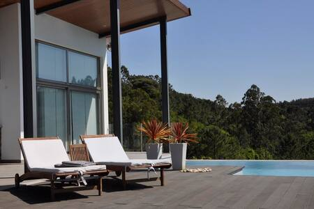 Luxe 4 pers Bungalow met zwembad - House