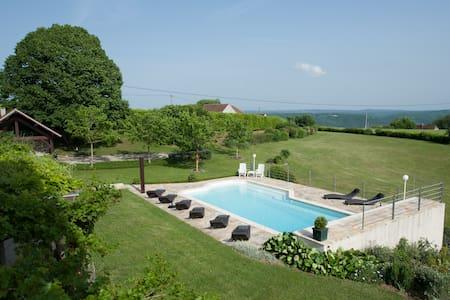 Chambre d'Hôtes Rocamadour de 2 à 5 personnes - Guesthouse