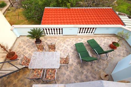 Holiday home Bugenvilija - Molat - Molat - House