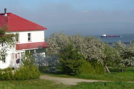 Domaine de Charlevoix vue fleuve - Saint-Joseph-de-la-Rive