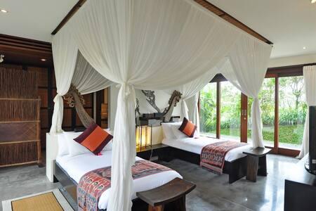 Surga Kecil Ubud, Awan Biru Resort