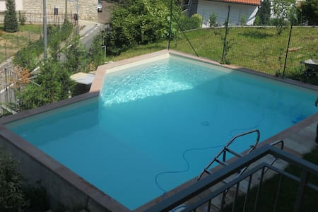 Panoramic apartment with swimming pool - Entratico