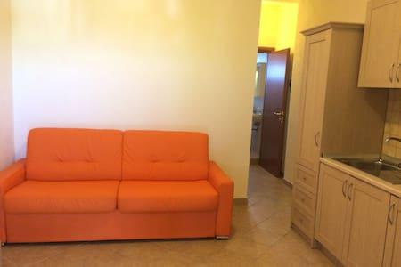 APPARTAMENTO MONOLOCALE AL MARE - Lägenhet