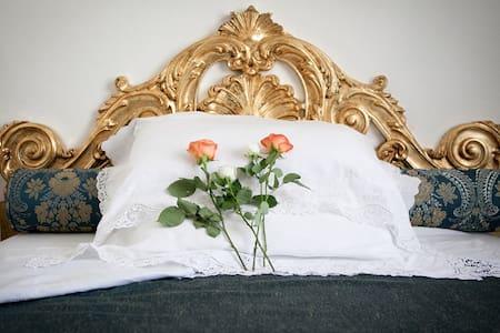 Domus Socolatae Charming B&B - Camera matrimoniale - Follonica - Bed & Breakfast