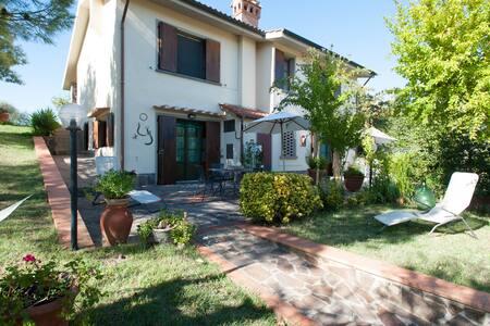 Casa Vacanze con piscina privata e splendida vista - Empoli