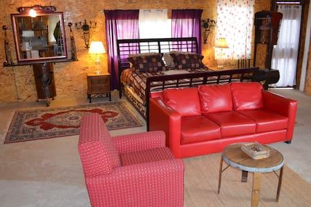 AZUL DE GUADALUPE ...Cabaña Artistica Rustica - Cabin