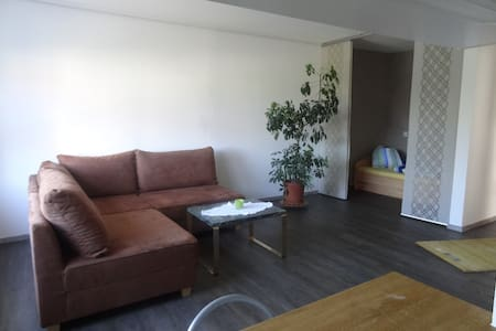 Helles Appartment in ruhiger Lage - Apartemen