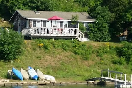 Furnished Waterfront Cottage in Mystic, CT - Groton - Cabin