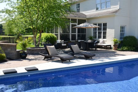 Modern Bedrooms (2) with Pool for Indy 500 Weekend - Zionsville