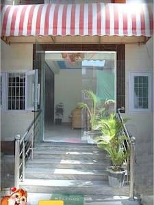 AC rooms with taj view. !!! - Agra - Apartment