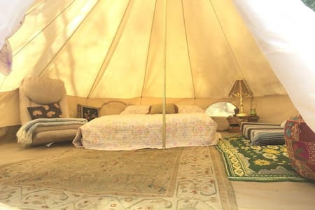 The Love Yurt by the Kern River - Rundzelt