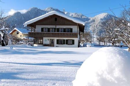 Urlaub in Ideallage am Brauneck, Winter und Sommer - Lenggries