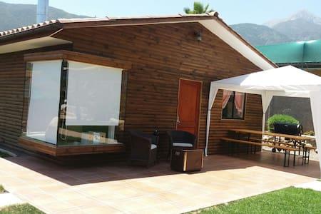 Cabaña en Olmue, Piscina temperada - Mökki