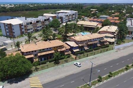 Apartamento 600 mts da praia - guarajuba- camaçari