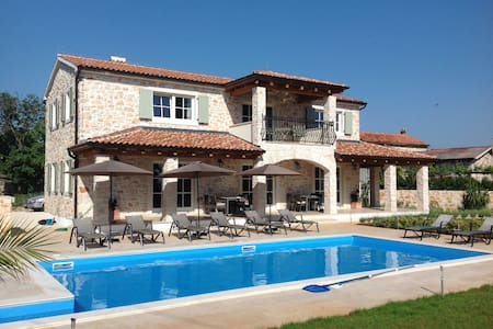 Villa Margarethe for privacy and relaxation . - Villa