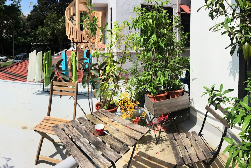 Chill out in our outdoor garden. Sun your laundry here too!